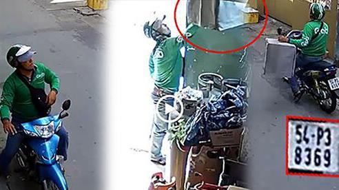 Lẻn vào nhà dân trộm lồng chim, tài xế mặc đồng phục Grabbike khiến nhiều người ngao ngán