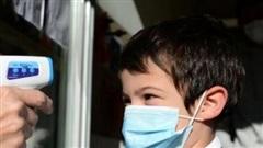 Tại sao trẻ em ít nhiễm COVID-19 hơn người lớn?
