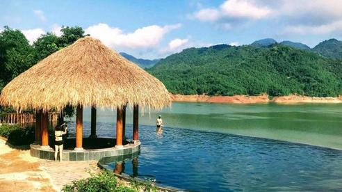 Truy tìm 4 bể bơi vô cực nằm giữa núi rừng: Nơi trú ẩn 'thần tiên' trong những ngày miền Bắc nóng như đổ lửa