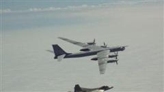 Mỹ điều động tiêm kích F-22 chặn 'quái vật ném bom' của Nga gần Alaska