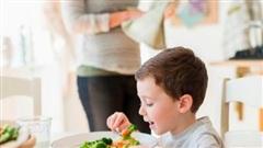 Dùng thuốc gì để chữa táo bón cho trẻ?