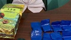 Vận chuyển 1kg ma túy đá và hơn 2.000 viên hồng phiến