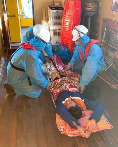 Cấp cứu thuyền viên gặp nạn trên biển