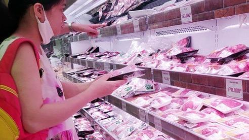 Thịt lợn tăng phi mã, Bộ trưởng Bộ NN&PTNT 'hiến kế' người dân nên ăn thịt gà
