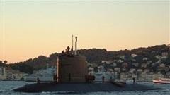Tàu ngầm hạt nhân Pháp bốc cháy ngay trong cảng