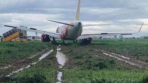 Điều tra sự cố máy bay trượt khỏi đường băng ở Tân Sơn Nhất