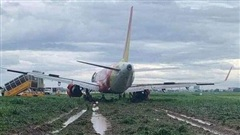 Đại diện hãng Vietjet lên tiếng vụ máy bay hạ cánh trượt khỏi đường băng Tân Sơn Nhất, lao ra bãi cỏ
