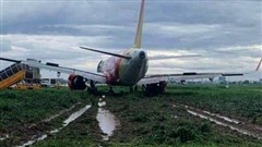 Máy bay Vietjet hạ cánh chệch đường băng, sân bay Tân Sơn Nhất tạm ngừng hoạt động