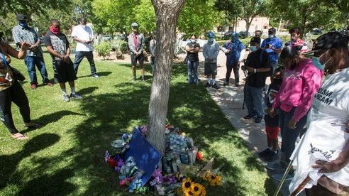 Mỹ: Biểu tình ở bang California sau vụ phát hiện người da màu treo cổ trên cây