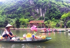 Bình yên 'chợ nổi' trên sông Ngô Đồng