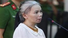 Xét xử phúc thẩm vụ nữ sinh giao gà: Nữ bị cáo Bùi Thị Kim Thu đánh bị cáo khác tại tòa