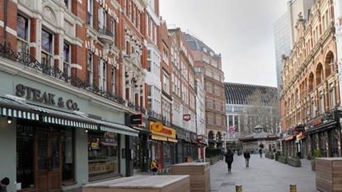 Các ngân hàng Anh cần chuẩn bị đối phó với 'núi nợ' đang phình lên vì dịch COVID-19