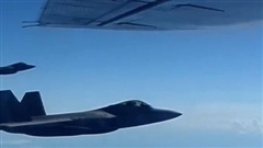 NORAD: F-22 xua đuổi bộ 3 máy bay mạnh nhất Nga