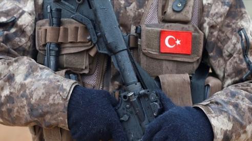 Vừa đưa quân sang Iraq, Thổ Nhĩ Kỳ đánh phá dữ dội hàng trăm cứ điểm và hơn 500 mục tiêu phiến quân