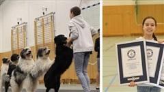Cô bé 12 tuổi lập kỷ lục thế giới huấn luyện 8 chú chó