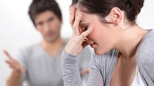 Vừa ngã xe còn chưa kịp hoàn hồn, chồng đã hét lên một câu khiến tôi đau còn hơn những vết thương trên người