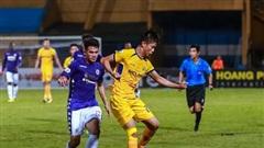 [Chùm ảnh] Phan Văn Đức giữ vững phong độ, cùng đồng đội trong ngày đánh bại Hà Nội FC trên sân nhà