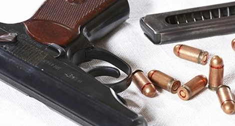 Bắt đối tượng truy nã tàng trữ súng K59, đạn và ma túy
