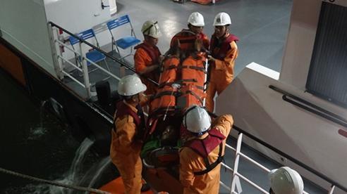 Cứu thuyền viên bị liệt toàn thân khi hành nghề trên biển