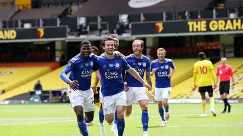 Leicester hòa kịch tính Watford 1-1
