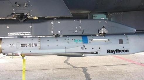 Mỹ thử nghiệm tổ hợp bom hàng không mới Golden Horde