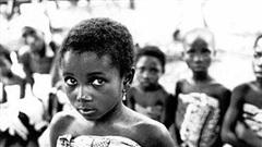 Bộ lạc có hủ tục vô lý đến mức ai nghe cũng thấy hoảng sợ: Trẻ em gái bị lạm dụng, ép lao dịch trọn đời để chuộc lỗi cho... tổ tiên