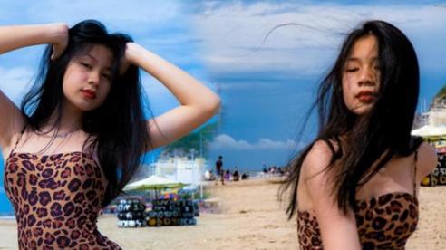 Lưu Thiên Hương gây sốt khi khoe ảnh con gái 15 tuổi mặc bikini tạo dáng không khác gì siêu mẫu