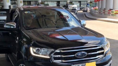Tài xế đỗ xe sai, chửi đánh nhân viên an ninh sân bay Nội Bài