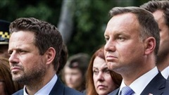 Bầu cử Tổng thống Ba Lan: Ngựa ô xô ngựa chiến
