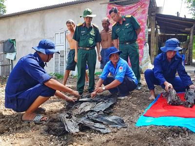 Bộ CHQS tỉnh Kiên Giang cất bốc 7 bộ hài cốt liệt sĩ hy sinh trong kháng chiến chống Mỹ
