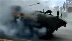 Trung Quốc chê dàn xe tăng Nga trong lễ duyệt binh