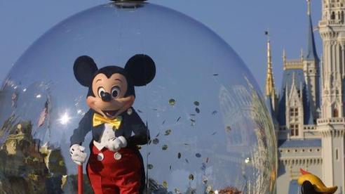 Thiên đường giải trí Disneyland bất ngờ trì hoãn mở cửa trở lại