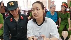 Vụ giết người, đổ bê tông: Các bị cáo nói lời xin lỗi, mẹ của nữ chủ mưu bật khóc mong giảm hình phạt cho con gái mình
