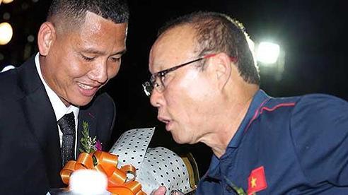 Tuyển Việt Nam: Thầy Park muốn Anh Đức trở lại, lẩm cẩm hay thực tế