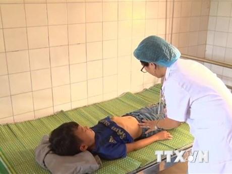 Lào Cai: 20 học sinh nhập viện sau bữa ăn bán trú tại trường