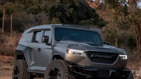Cùng xem bên trong siêu XUV giá 295.000 USD với hệ thống nhìn đêm, giáp chống đạn và màn khói