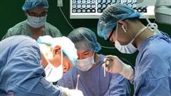 Phẫu thuật thành công cho bệnh nhi hẹp sọ bẩm sinh hiếm gặp