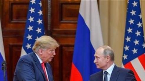 Mỹ tặng Nga quá nhiều 'quà'
