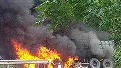 Cháy xe container trên Quốc lộ 12, tài xế bỏng nặng
