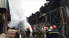 Công an thông tin chính thức về vụ cháy lớn ở cảng Đức Giang