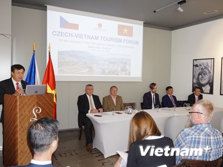 Việt Nam và Cộng hòa Séc thúc đẩy hợp tác du lịch hậu COVID-19