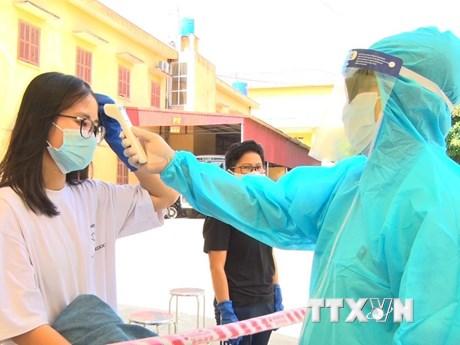 Dịch COVID-19: Hưng Yên bàn giao 69 công dân hoàn thành cách ly