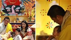 Vợ chồng Hoàng hậu 'vạn người mê' Bhutan chính thức công bố tên con trai thứ 2 và loạt ảnh hiện tại của đứa trẻ khiến dân mạng xuýt xoa