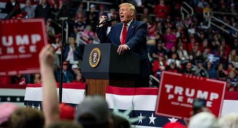 Bầu cử Mỹ: Ông Donald Trump lại dùng chiến thuật cũ?