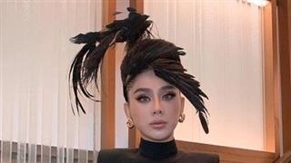 Ham 'chặt chém' thiên hạ, Lâm Khánh Chi bị chim hành cả buổi vì chiếc mũ độc lạ