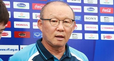 Thày Park trả lời 'hóm hỉnh' khi được hỏi về Văn Hậu