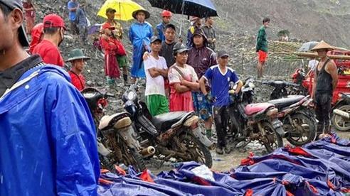 Ám ảnh cảnh thi thể xếp hàng dài ở hiện trường sập mỏ ngọc làm 113 người chết