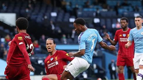 Ngạo nghễ với chức vô địch, Liverpool bị Man City đá cho 'xây xẩm mặt mày' trong mưa bàn thắng