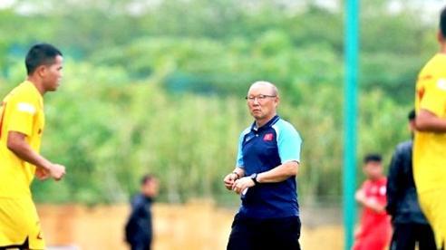HLV Park mong muốn cầu thủ trẻ có thêm cơ hội thi đấu