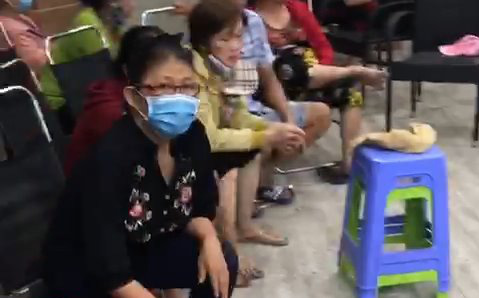 Phá sòng bạc trực tuyến 'khủng' trong khu dân cư Bến Lức ở Sài Gòn, thu giữ gần 250 triệu đồng